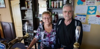 Jan en Joke v/d Velde van café de Leeuw in Borgercompagnie