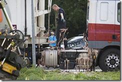 Vrachtwagen verliest slachtafval door te hard remmen bij Winschoten