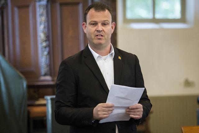 Gemeente Vlagtwedde heeft op dinsdag 28 oktober 2014 bekendgemaakt dat René ter Horst stopt als wethouder. Op de foto René ter Horst bij de start van de Open Monumentendag in Oudeschans op 13 september 2014