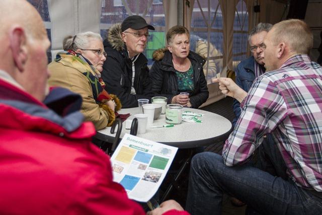 Openingshandeling van afronding project Bomenbuurt Winschoten