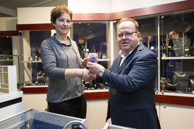 Prijswinnaar Logospel Geritha Kiel bij Goudhof Juweliers Veendam