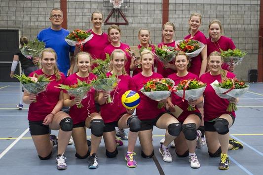 VCO '72 dames 1 Onstwedde kampioen
