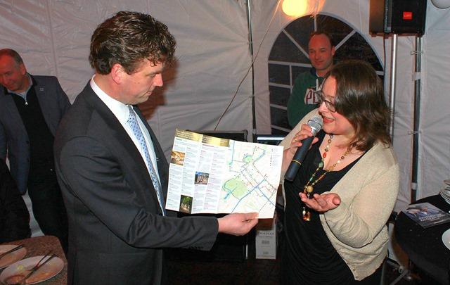 VEENDAM - Shoppingkaart VVV Henk Jan Schmaal