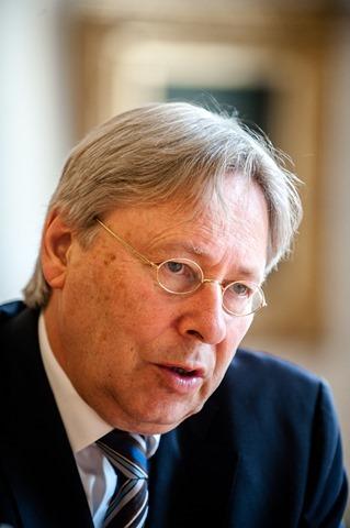 Groningen burgemeester Peter den Oudsten-11