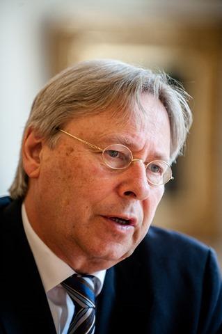 Groningen burgemeester Peter den Oudsten-12