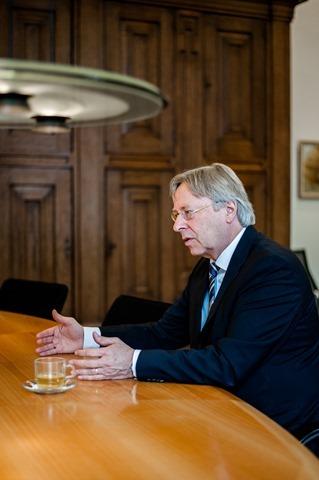 Groningen burgemeester Peter den Oudsten-19