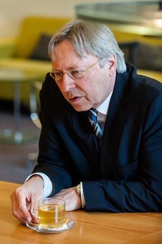 Groningen burgemeester Peter den Oudsten-4