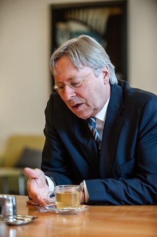 Groningen burgemeester Peter den Oudsten-5