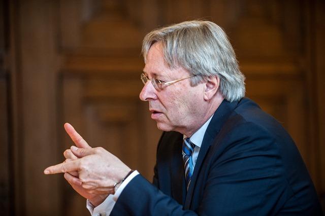 Groningen burgemeester Peter den Oudsten-8