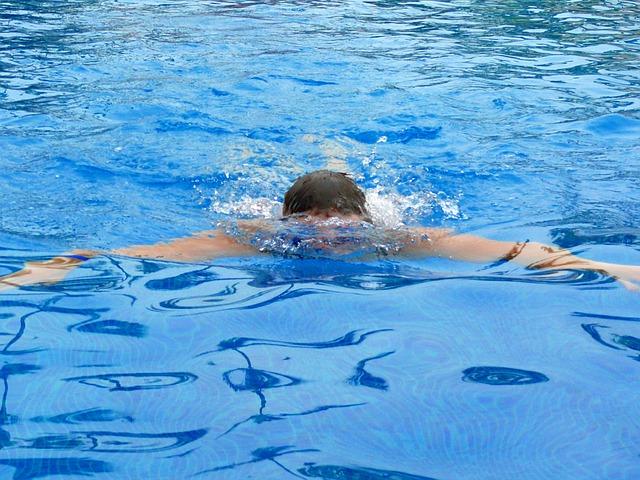 Zwemclub Bubble Gaat Cursus Zwemvaardigheid Aanbieden Groot Groningen