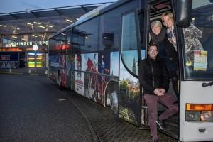 Feestelijke ingebruikname David Bowie Airport transfer met de initiatiefnemers