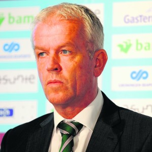 GRONINGEN - Persconferentie FC Groningen ontslag trainer Pieter Huistra/ met achter de tafel directeur Hans Nijland en Technisch Manager Henk Veldmate.