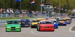 De BMW's gaan de strijd aan voor de Gouden Helm Trofee