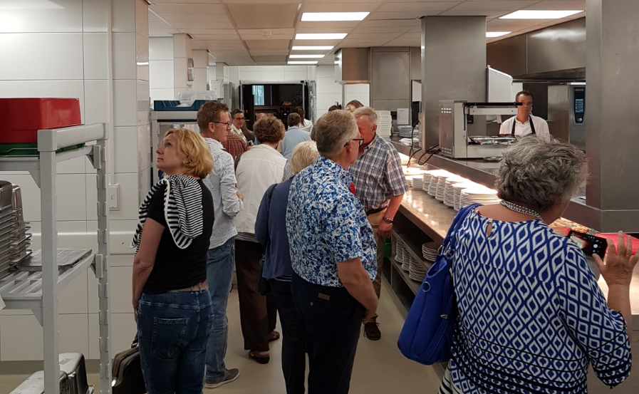 Design Keuken Groningen : Kijkje in de keuken van der valk hotel groningen hoogkerk groot